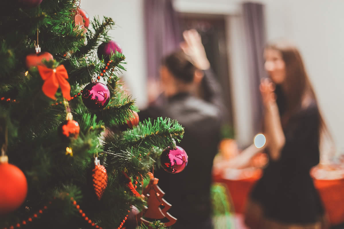 Tips To Consider Before Hiring A DJ For Your Christmas Party
